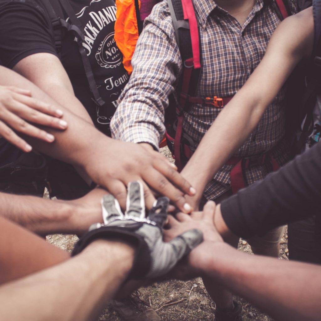 Rockability è comunità ROCKABILITY E' COMUNITA'...COSA CI E' SALTATO IN MENTE?